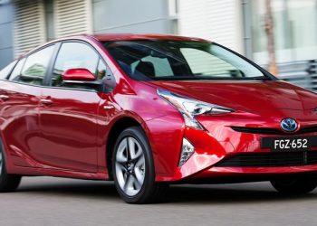 Toyota-Prius-i-tech-2016-(2)_0